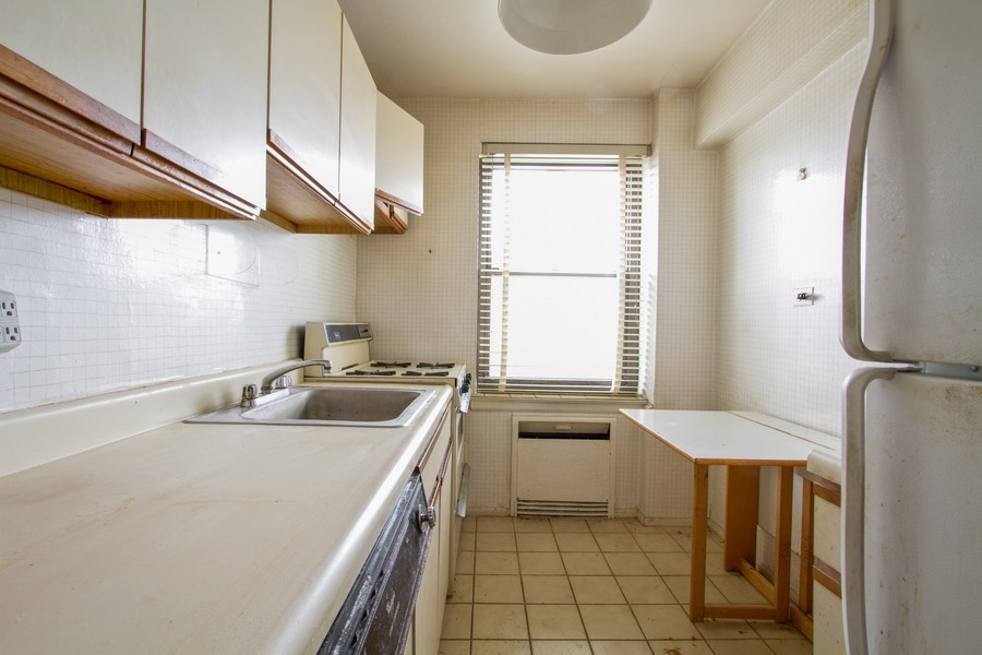 Real Estate Photography - 213-0175th Ave., 4B, Bayside, NY, 11361 - Kitchen
