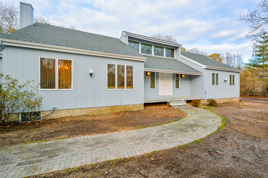 Real Estate Photography - 12 Deer Path, Quogue, NY, 11959 - Front View