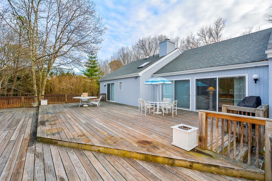 Real Estate Photography - 12 Deer Path, Quogue, NY, 11959 - Deck