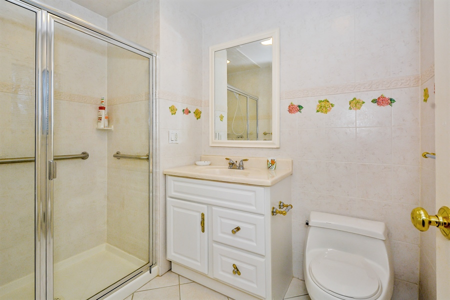 Real Estate Photography - 12 Deer Path, Quogue, NY, 11959 - Bathroom
