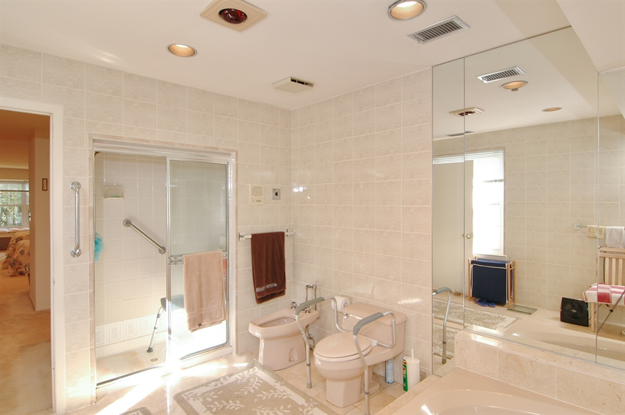 Real Estate Photography - 75 Eider Hill Court, Manhasset, NY, 11030 - Master Bathroom