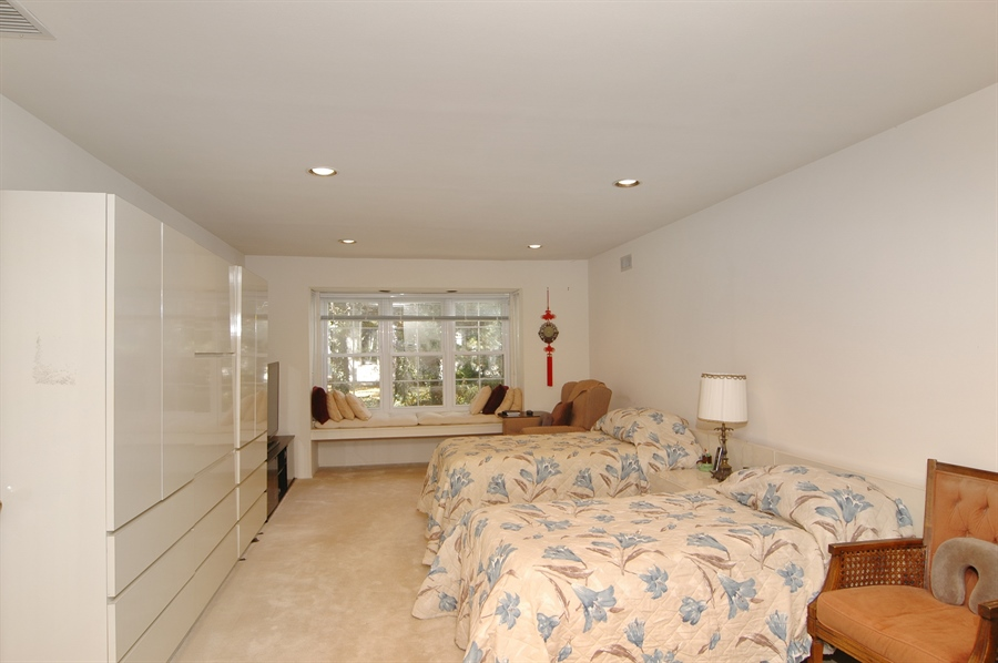 Real Estate Photography - 75 Eider Hill Court, Manhasset, NY, 11030 - Master Bedroom