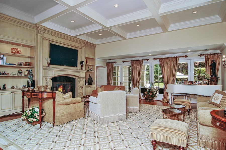 Real Estate Photography - 46 Morgan Dr, Old Westbury, NY, 11568 - Living Room