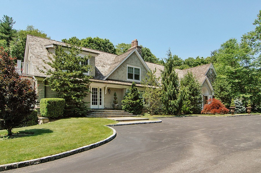 Real Estate Photography - 46 Morgan Dr, Old Westbury, NY, 11568 - Front View