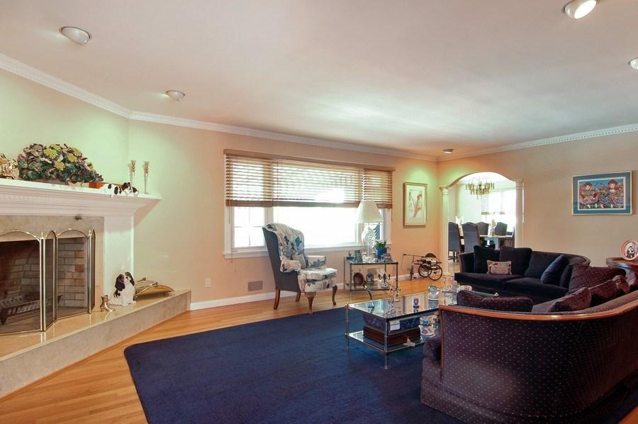 Real Estate Photography - 208 Bay Dr, Massapequa, NY, 11758 - Living Room