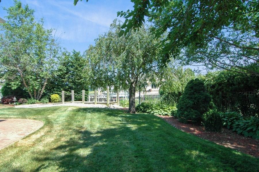 Real Estate Photography - 208 Bay Dr, Massapequa, NY, 11758 - Side Yard