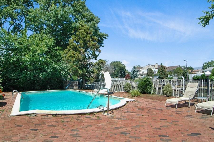 Real Estate Photography - 208 Bay Dr, Massapequa, NY, 11758 - Pool