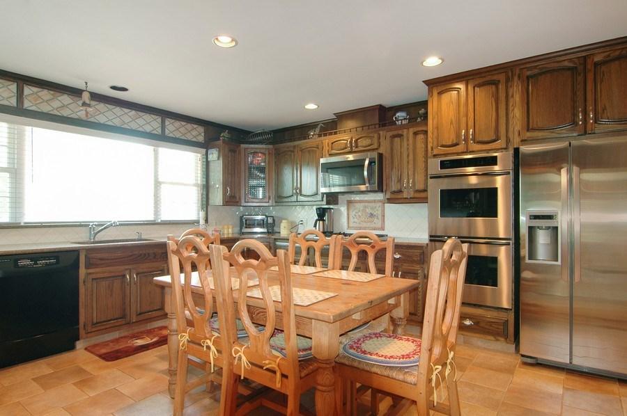 Real Estate Photography - 208 Bay Dr, Massapequa, NY, 11758 - Kitchen