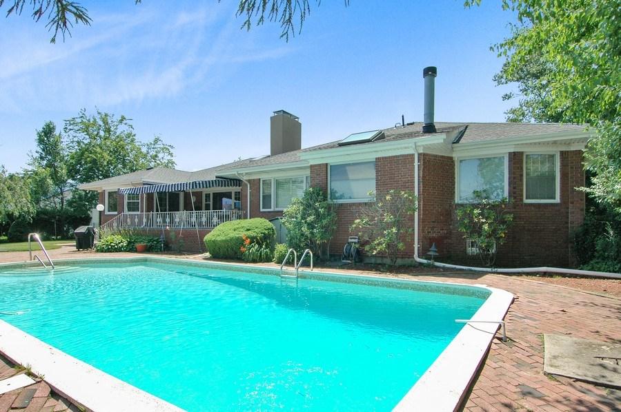 Real Estate Photography - 208 Bay Dr, Massapequa, NY, 11758 - Rear View