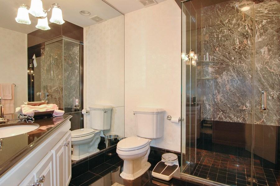 Real Estate Photography - 208 Bay Dr, Massapequa, NY, 11758 - Bathroom