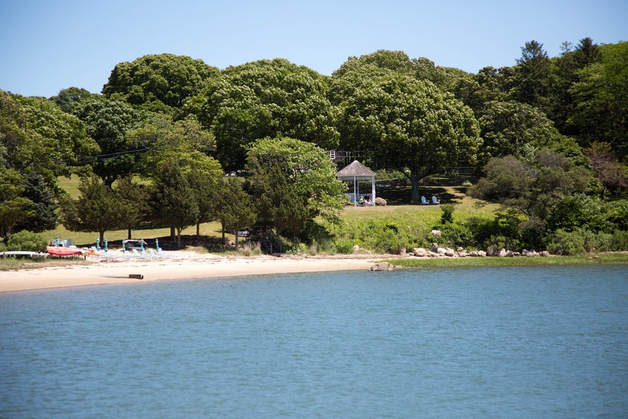 Real Estate Photography - 108 Ram Island Dr, Shelter Island, NY, 11964 -