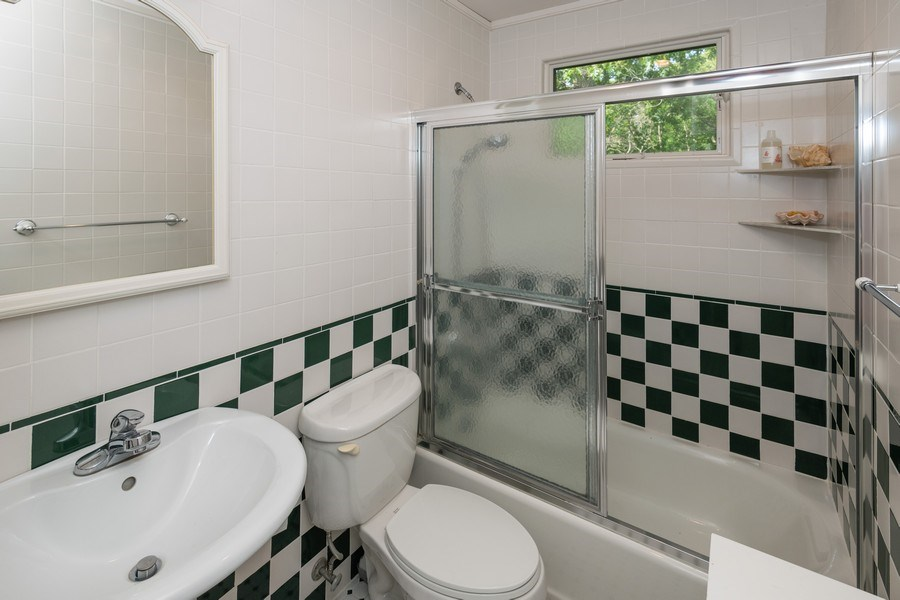 Real Estate Photography - 9 Wheeler Rd, Shelter Island, NY, 11964 - Bathroom