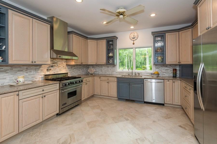 Real Estate Photography - 9 Wheeler Rd, Shelter Island, NY, 11964 - Kitchen