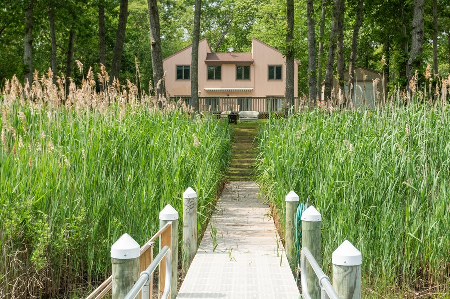 Real Estate Photography - 9 Wheeler Rd, Shelter Island, NY, 11964 - Rear View
