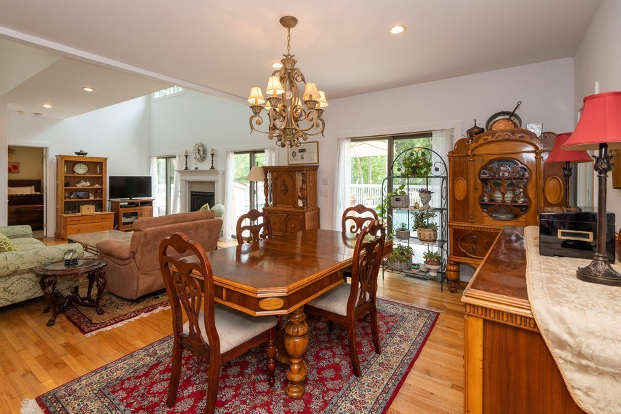 Real Estate Photography - 9 Wheeler Rd, Shelter Island, NY, 11964 - Living Room / Dining Room