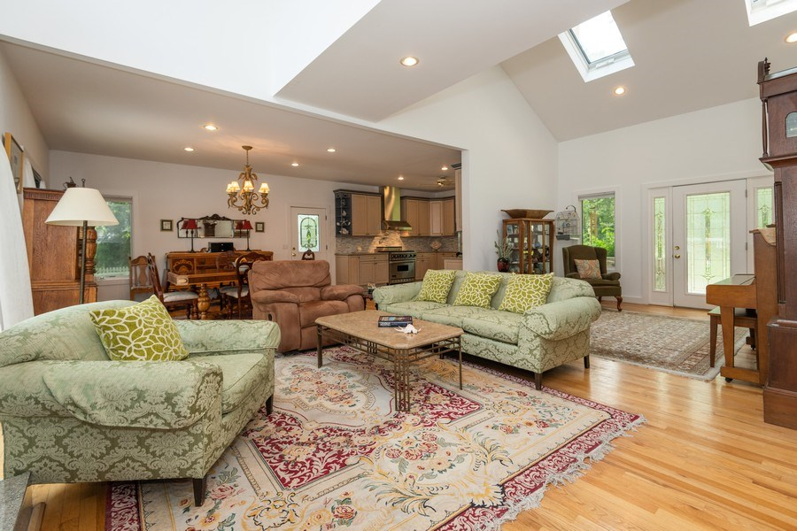 Real Estate Photography - 9 Wheeler Rd, Shelter Island, NY, 11964 - Living Room/Dining Room