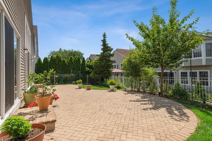 Real Estate Photography - 6 Cove Ln, Plainview, NY, 11803 - View