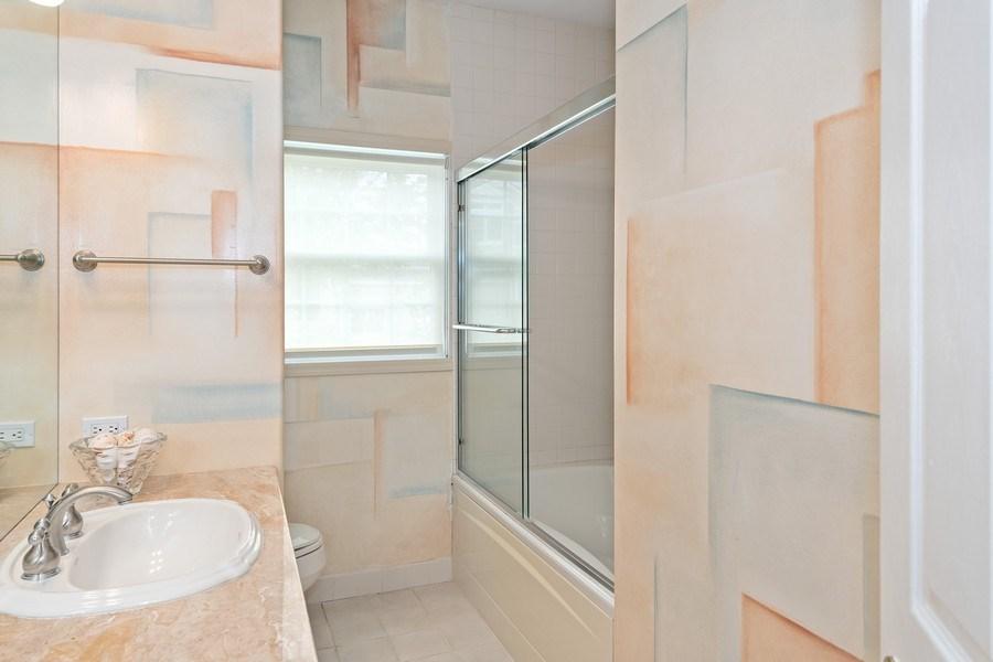 Real Estate Photography - 6 Cove Ln, Plainview, NY, 11803 - Bathroom
