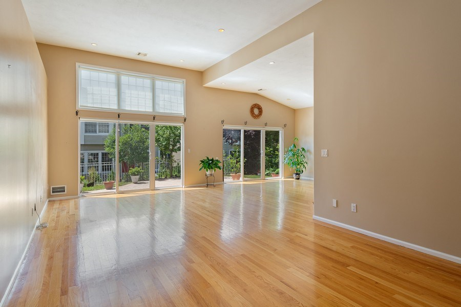 Real Estate Photography - 6 Cove Ln, Plainview, NY, 11803 - Living Room/Dining Room
