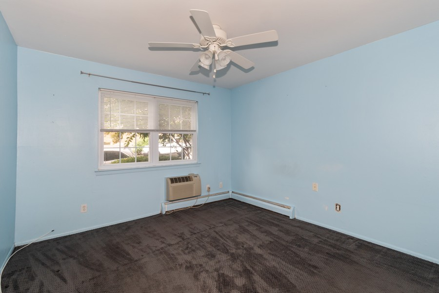 Real Estate Photography - 2 Anchorage Ln, 2A, Oyster Bay, NY, 11771 -