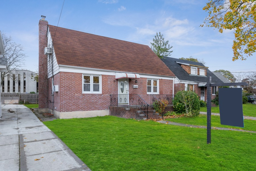 Real Estate Photography - 76-29 Hewlett St, New Hyde Park, NY, 11040 -