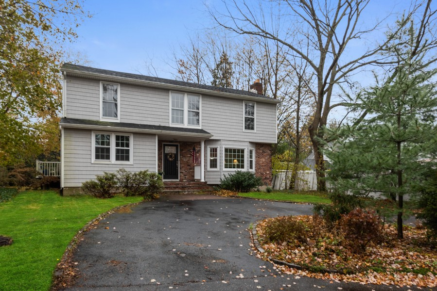 Real Estate Photography - 3 Hahl Ln, East Norwich, NY, 11732 -
