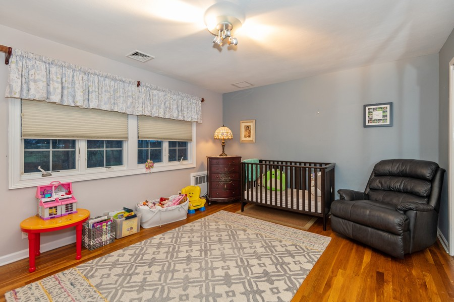 Real Estate Photography - 19 Townsend Rd, Glen Cove, NY, 11542 - Bedroom