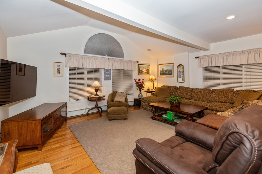 Real Estate Photography - 19 Townsend Rd, Glen Cove, NY, 11542 - Great Room