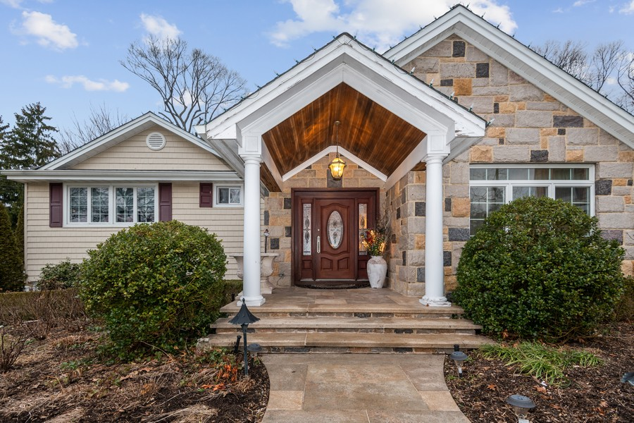 Real Estate Photography - 19 Townsend Rd, Glen Cove, NY, 11542 - Entrance