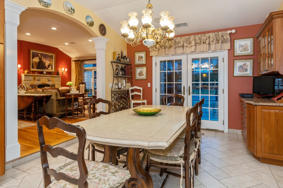 Real Estate Photography - 19 Townsend Rd, Glen Cove, NY, 11542 - Dining Area