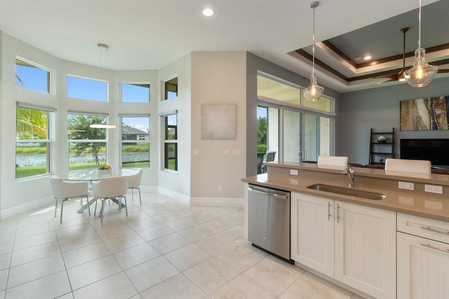 Real Estate Photography - 8880 Golden Mountain Circle, Boynton Beach, FL, 33473 - Kitchen / Breakfast Room
