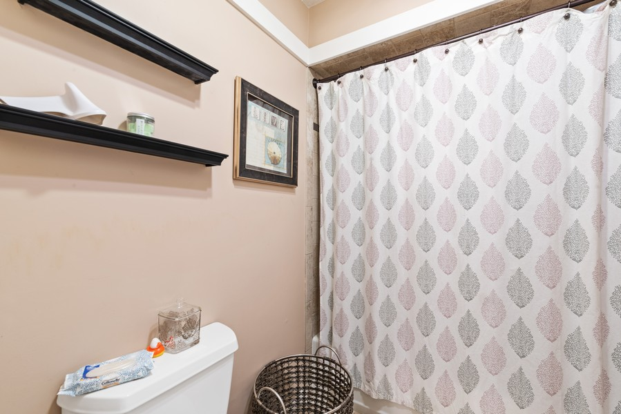 Real Estate Photography - 10A Heritage Hills, Somers, NY, 10589 - Master Bathroom