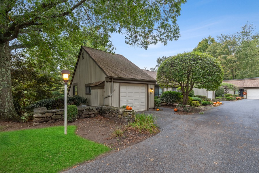 Real Estate Photography - 10A Heritage Hills, Somers, NY, 10589 - Side View