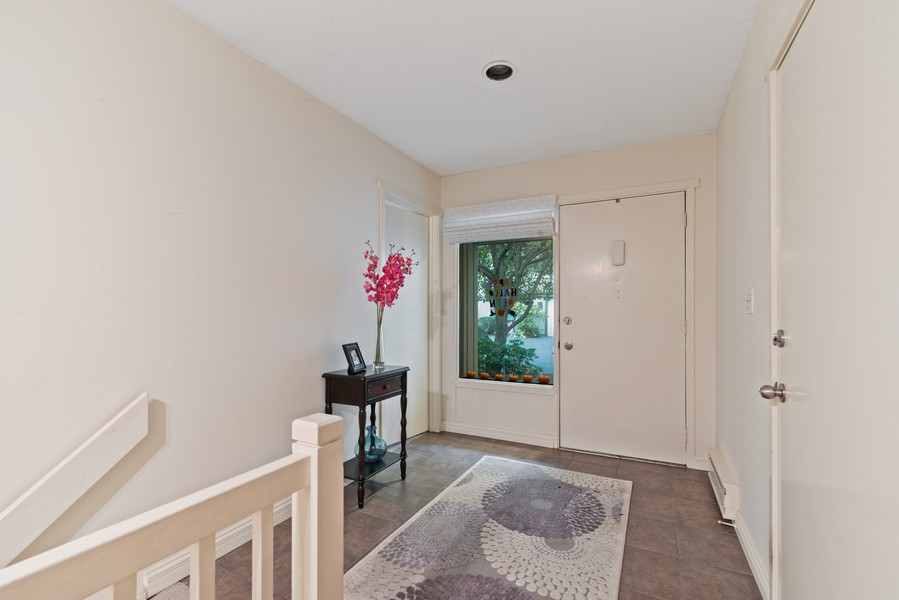 Real Estate Photography - 10A Heritage Hills, Somers, NY, 10589 - Entryway
