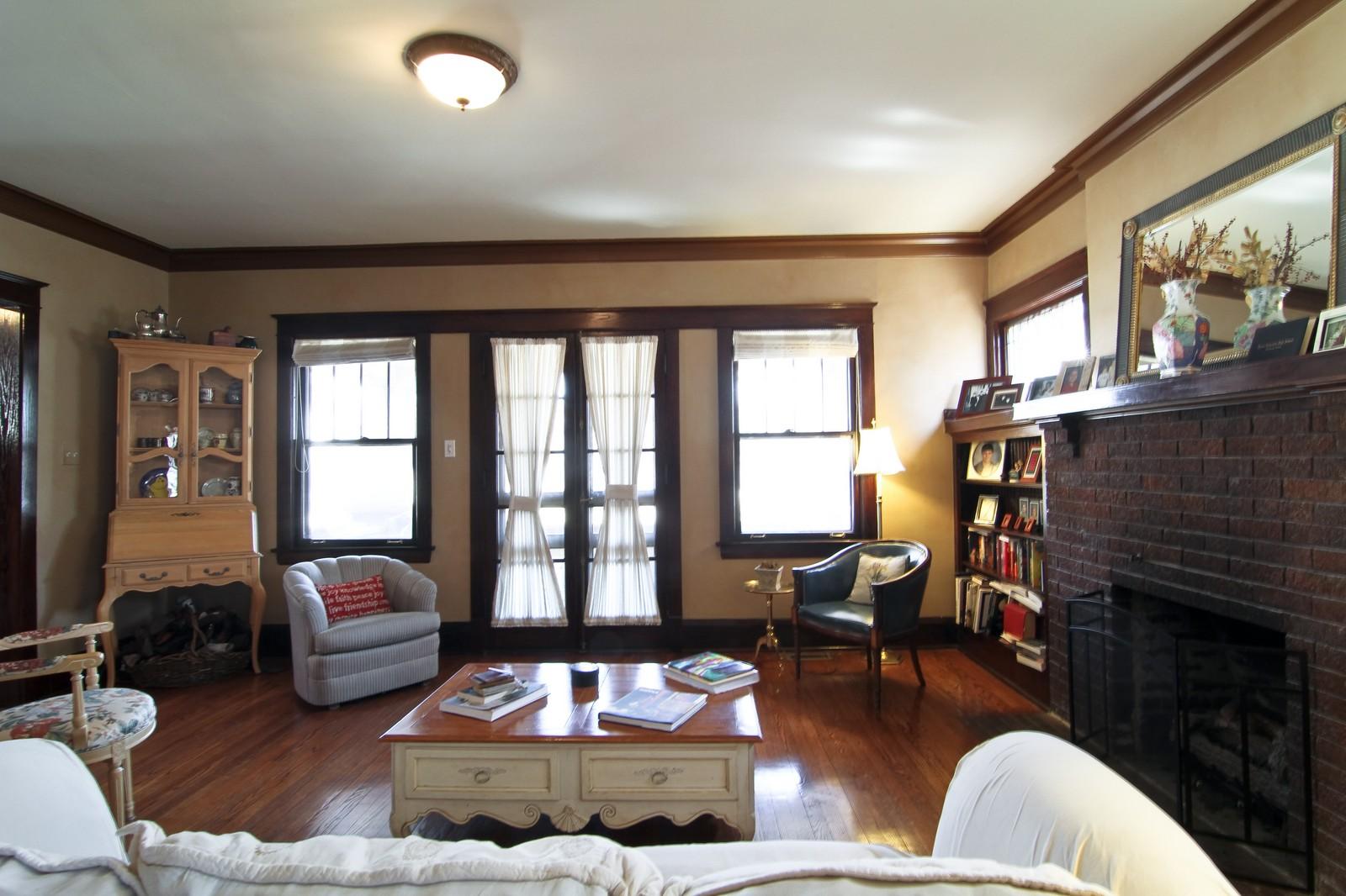 Real Estate Photography - 338 S. 8th, La Grange, IL, 60525 - Location 2