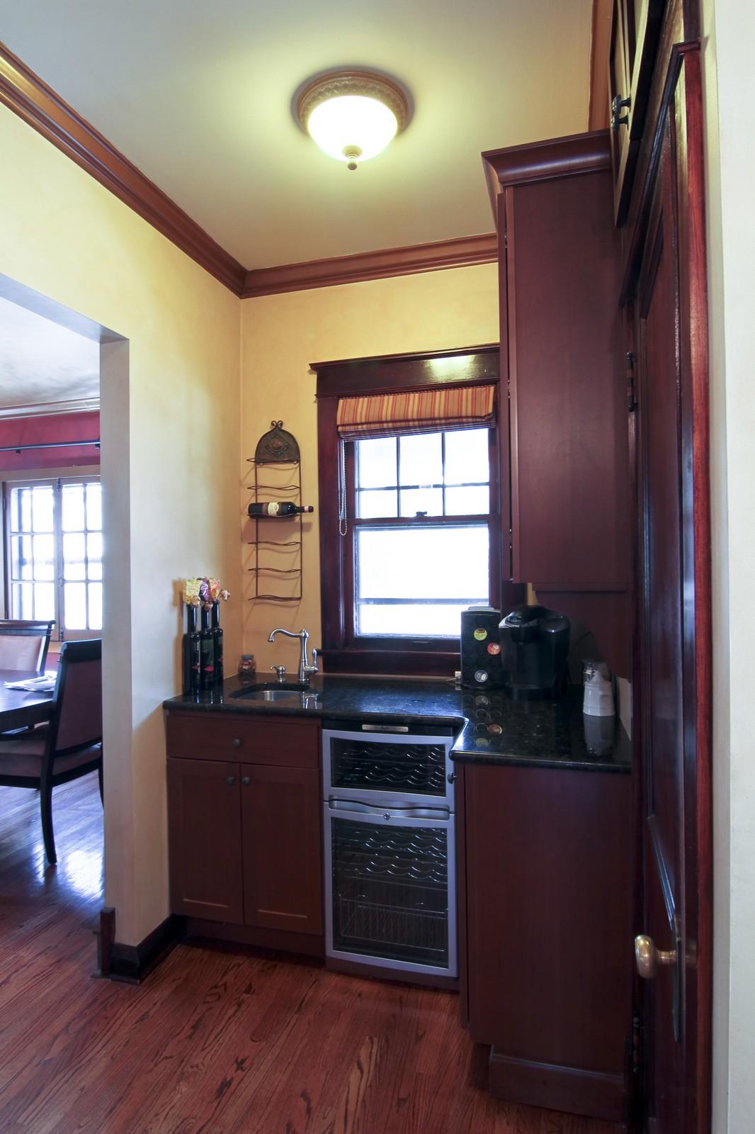 Real Estate Photography - 338 S. 8th, La Grange, IL, 60525 - Pantry