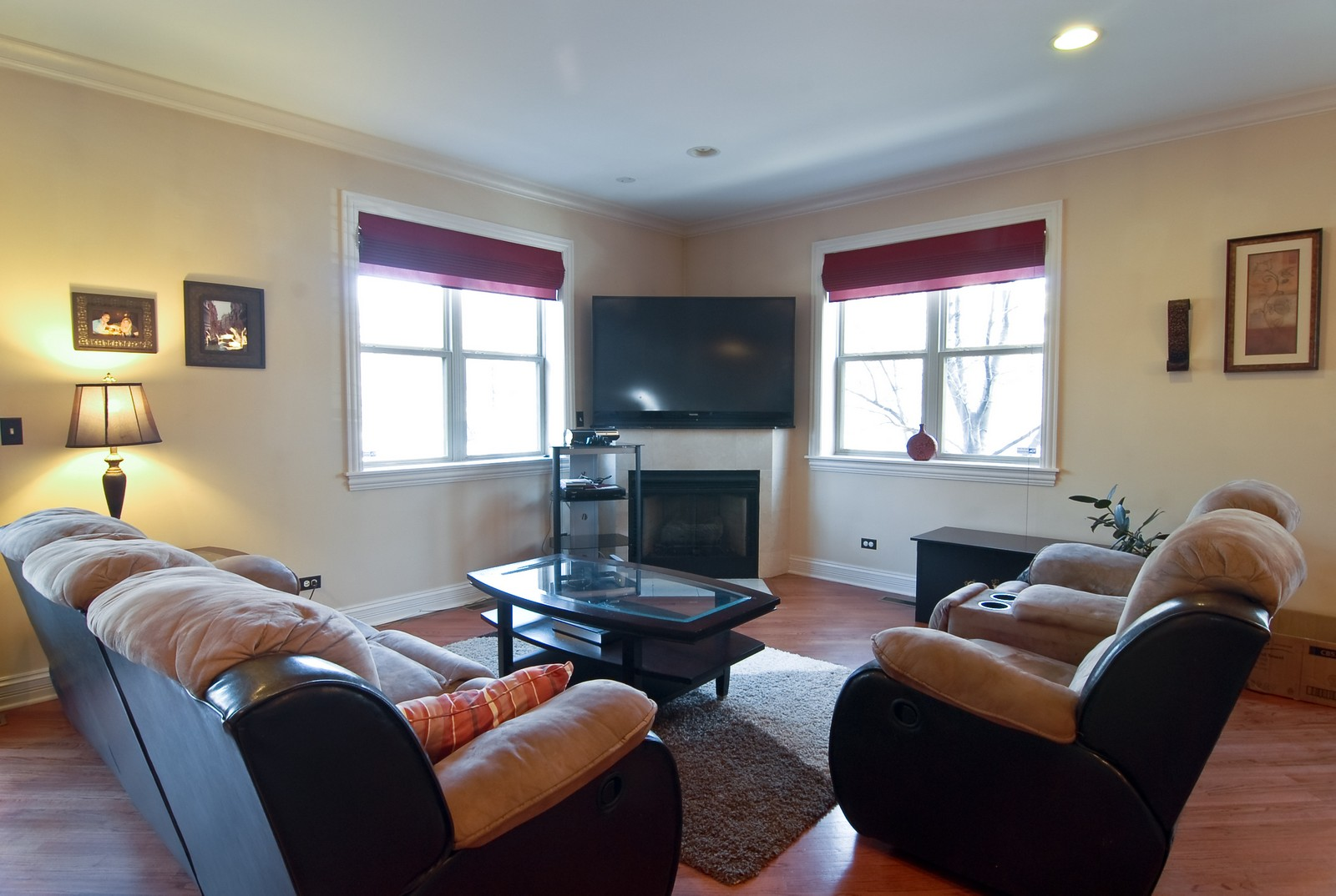 Real Estate Photography - 2217 N. Oakley, 1N, Chicago, IL, 60647 - Living Room