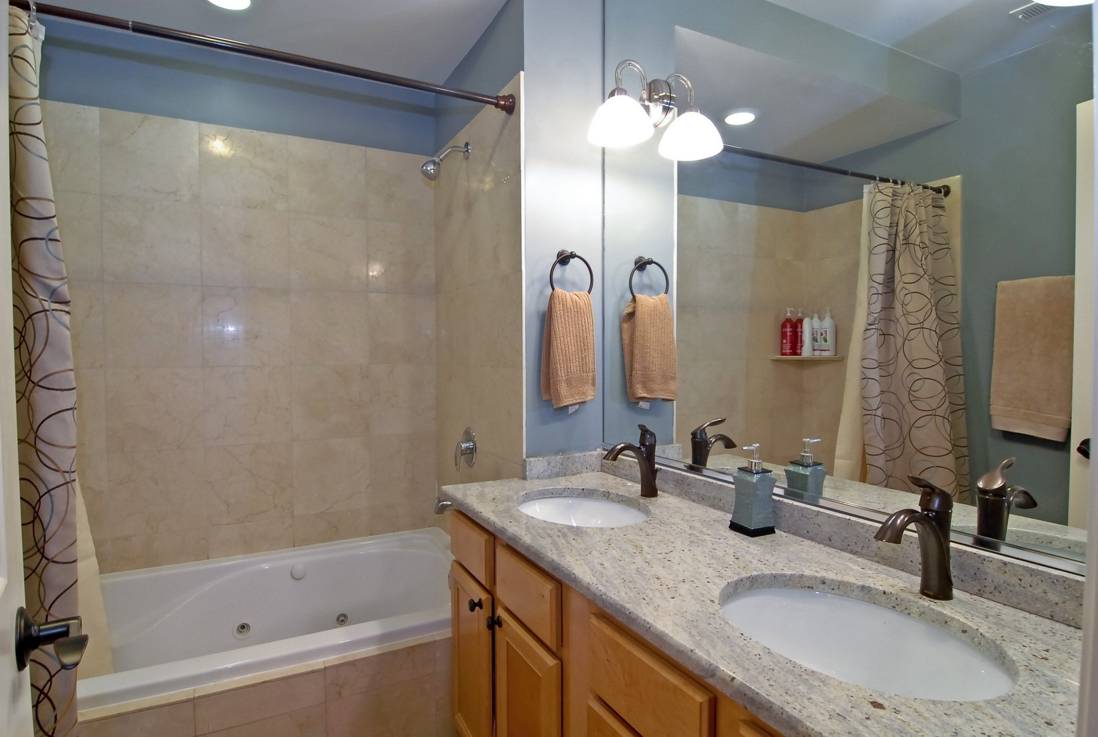 Real Estate Photography - 2217 N. Oakley, 1N, Chicago, IL, 60647 - Master Bathroom