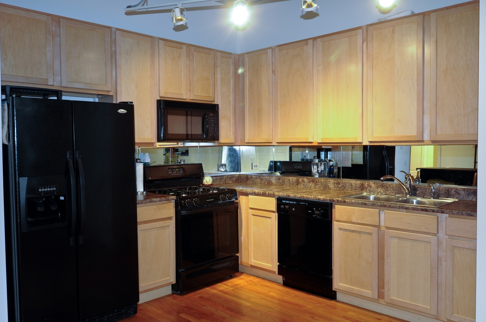 Real Estate Photography - 933 W. Van Buren, 619, Chicago, IL, 60607 - Kitchen