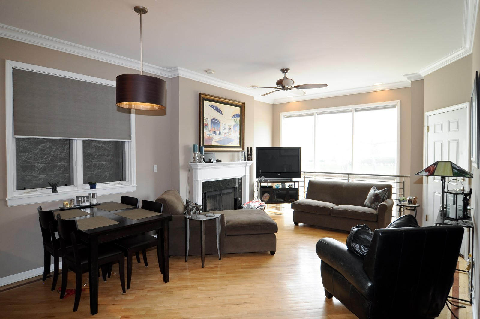 Real Estate Photography - 1414 W. Chestnut, 1, Chicago, IL, 60622 - Living Room