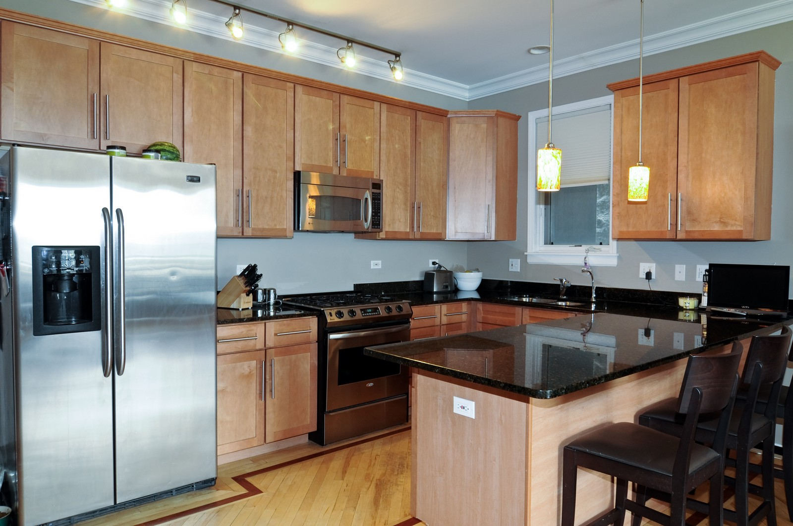 Real Estate Photography - 1414 W. Chestnut, 1, Chicago, IL, 60622 - Kitchen