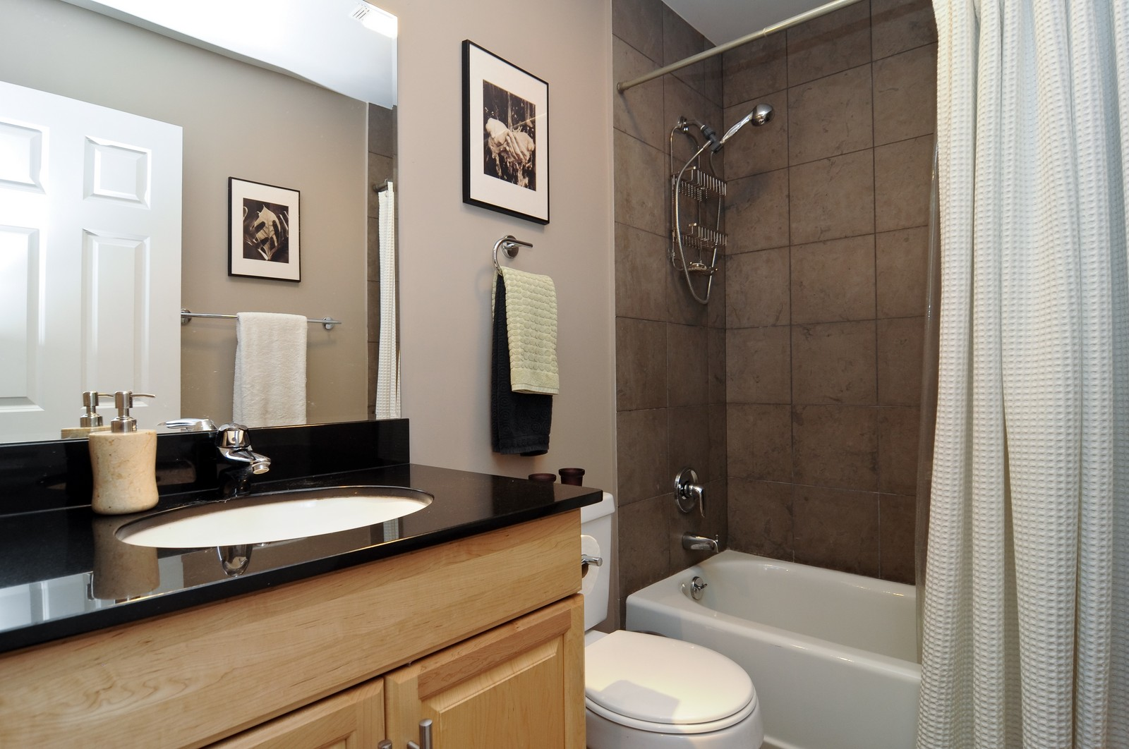Real Estate Photography - 1414 W. Chestnut, 1, Chicago, IL, 60622 - Bathroom