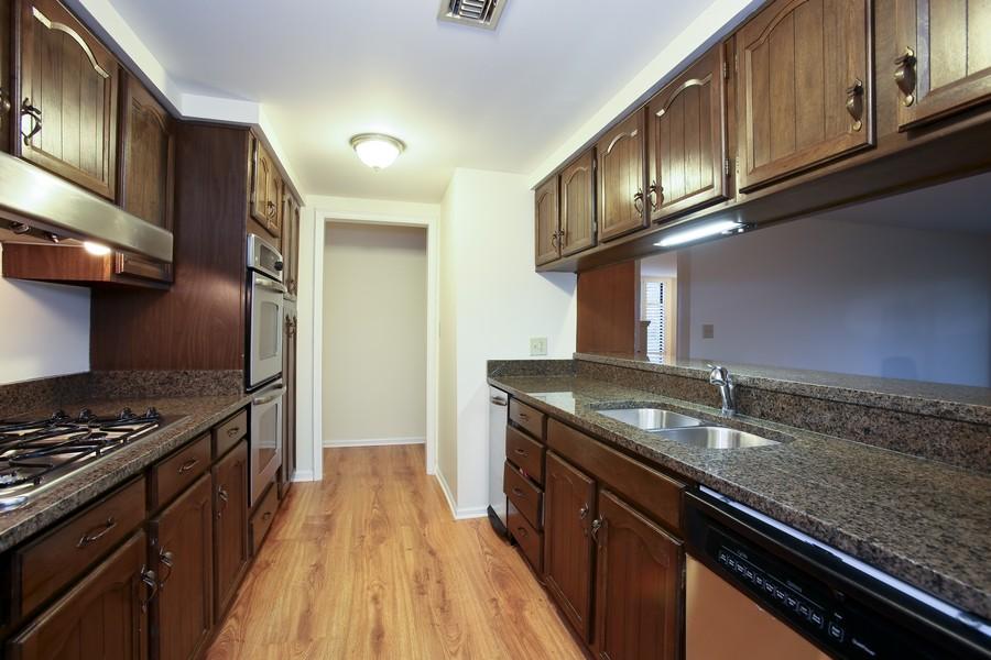 Real Estate Photography - 1401 Burr Oak Rd, Unit 202C, Hinsdale, IL, 60521 - Kitchen