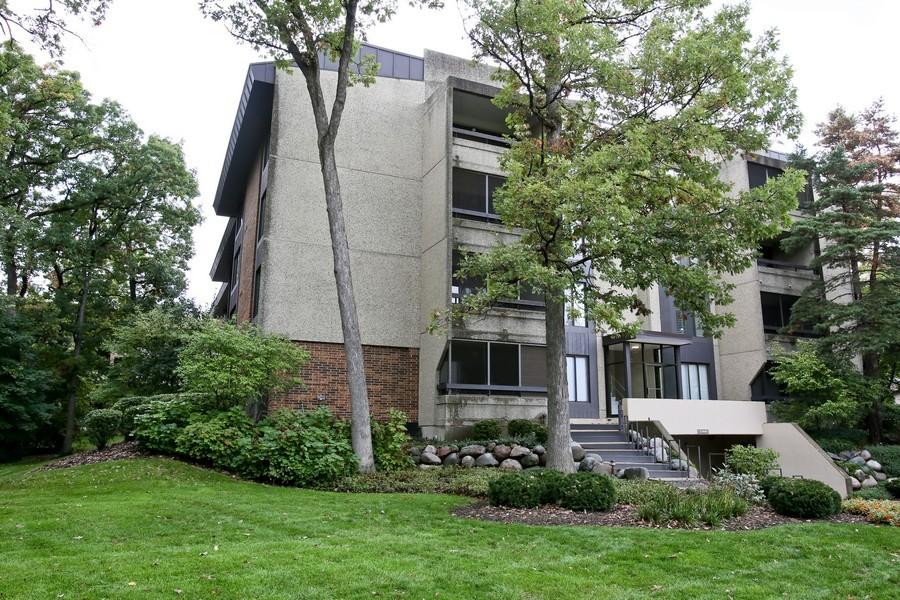 Real Estate Photography - 1401 Burr Oak Rd, Unit 202C, Hinsdale, IL, 60521 - Front View