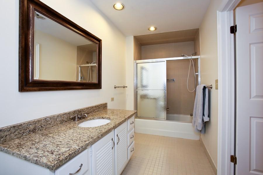Real Estate Photography - 1401 Burr Oak Rd, Unit 202C, Hinsdale, IL, 60521 - Master Bath