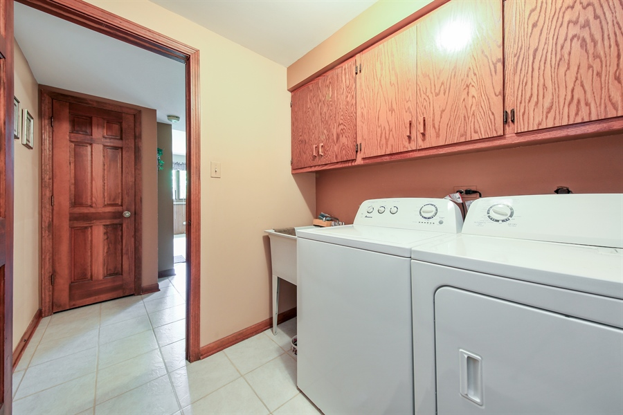 Real Estate Photography - 10909 Chaucer, Willow Springs, IL, 60480 - Laundry Room