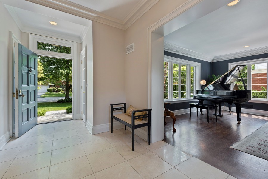 Real Estate Photography - 9420 Hamlin Ave., Evanston, IL, 60203 - Entryway