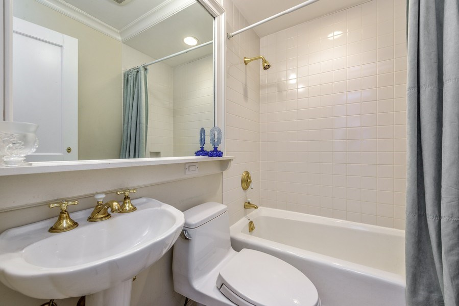 Real Estate Photography - 9420 Hamlin Ave., Evanston, IL, 60203 - 2nd Bathroom