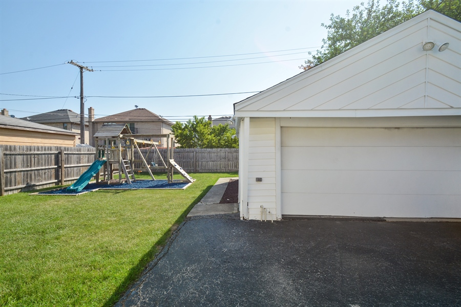 Real Estate Photography - 7727 Laramie, Burbank, IL, 60459 - Back Yard