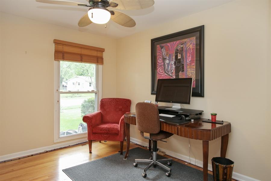 Real Estate Photography - 743 Delphia Ave, Elk Grove Village, IL, 60007 - Office